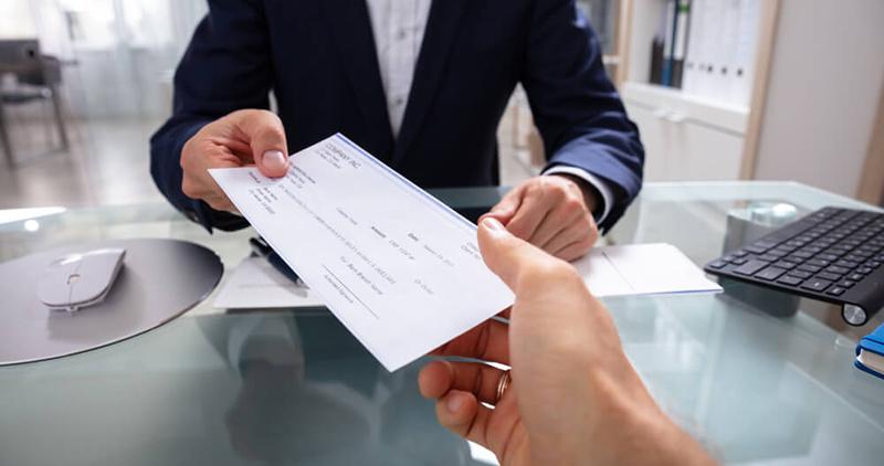 Atenção - Assine seu holerite somente com a data correta do pagamento do salário